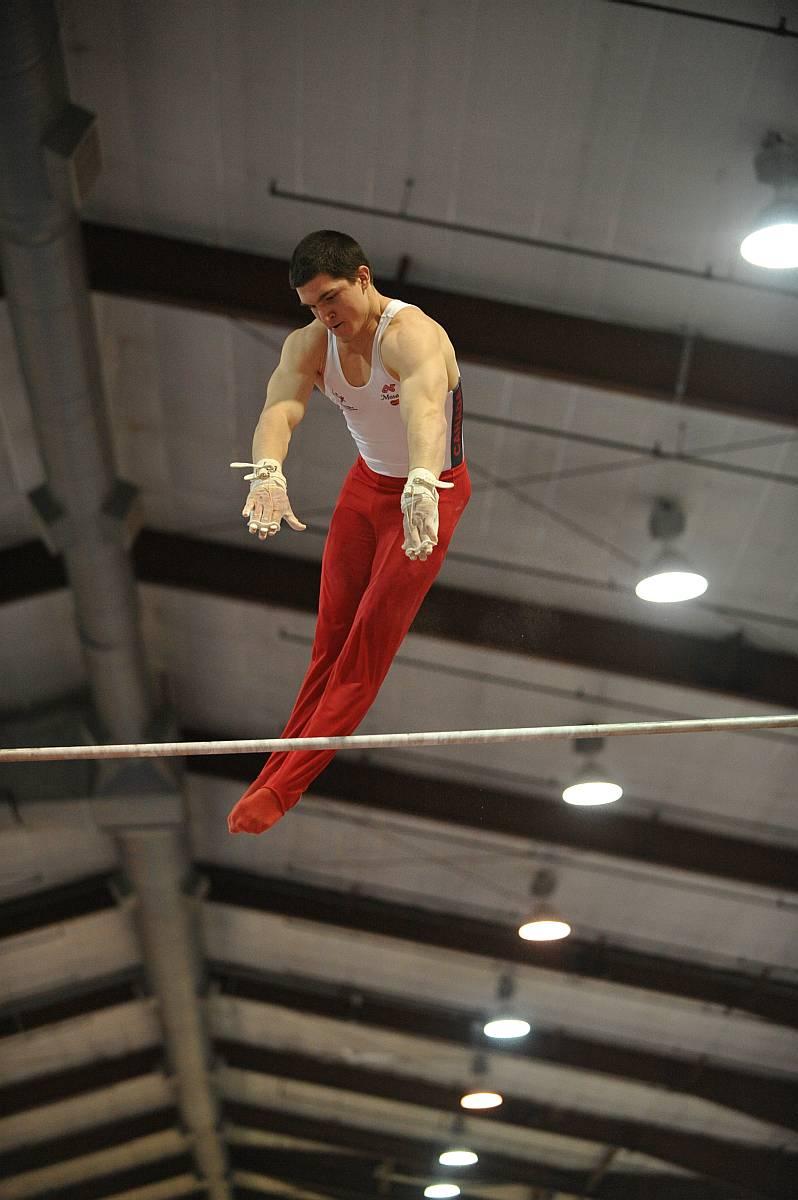 Athlete: Kevin Lytwyn 2007 Elite Canada Gymnastics, Abbotsford, BC. Dec 13-16 2007.