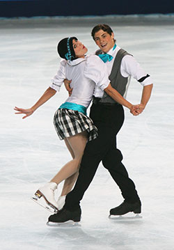 vanessa-crone-and-paul-poirier---figure-skating1
